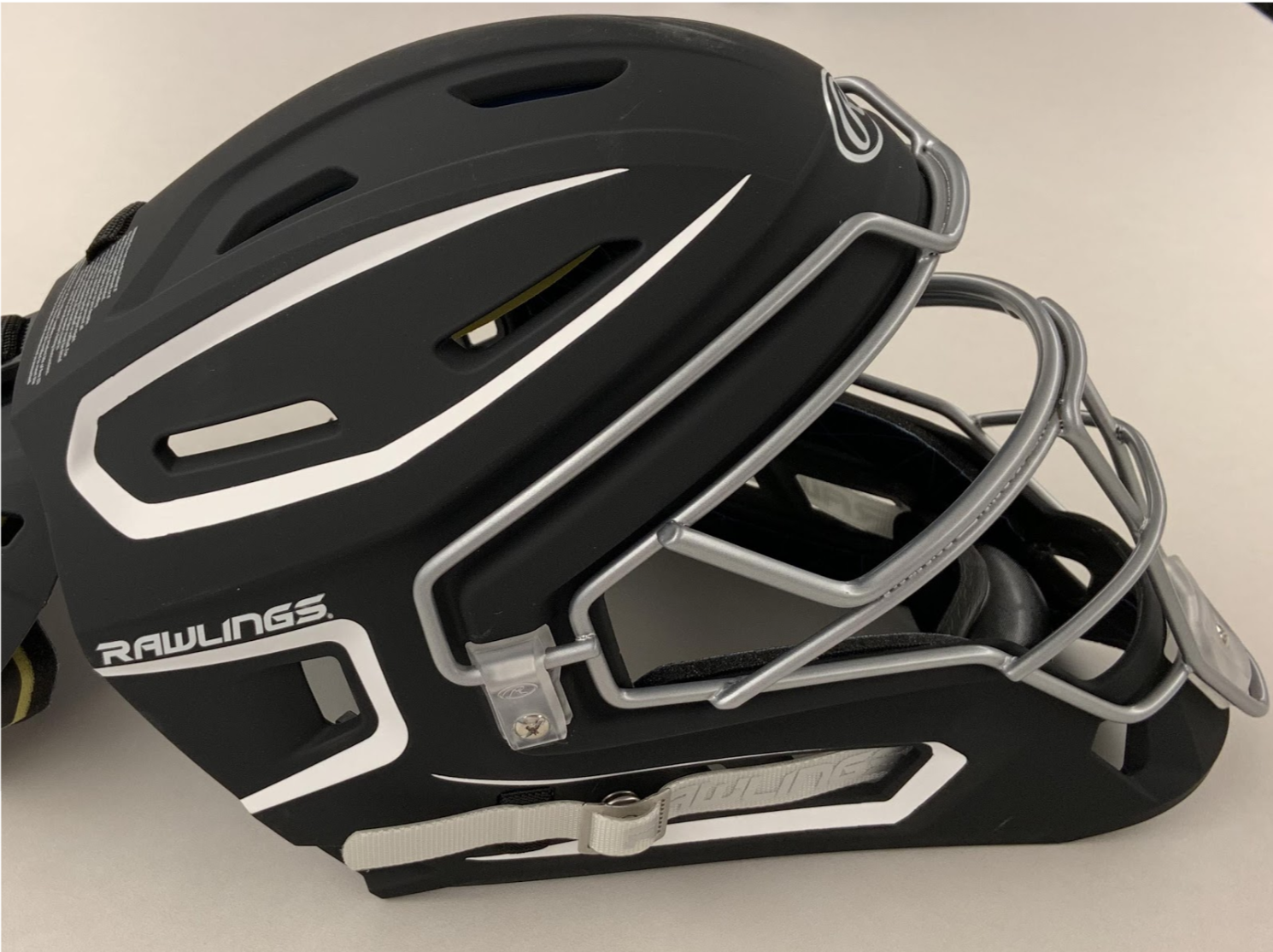 Recalled CHMACH- SR Senior Catchers helmet (side view)